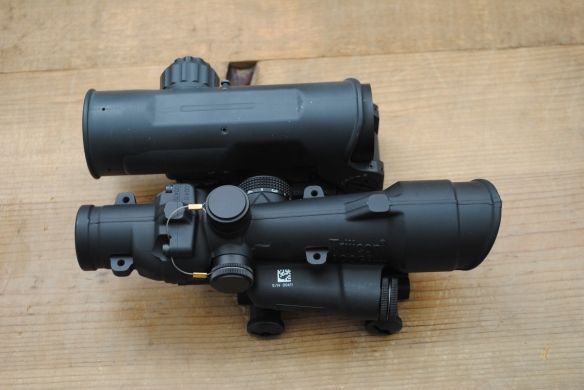 ELCAN SpecterOS 4x next to Trijicon TA110